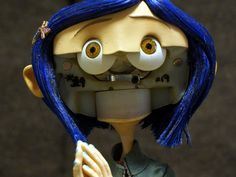 Coraline in Laika Auction - 001-02.