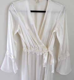 Stunning Vintage Lace/Silky White/Ivory Nightgown/Robe. 1960's/1970's/1980's by fashionneverfades on Etsy