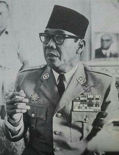 Soekarno Real Hero, My Hero, The Proclaimers, Rare Images, Great Father, Asian History, Picts, Dance Art, Founding Fathers
