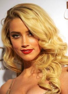 I have the ultimate girl crush on Amber Heard. She is perfect !