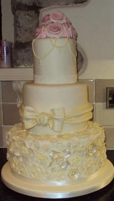 wedding cake bridgend vintage wedding cake from sweet dreams bakery bridgend 22093