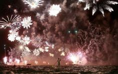 Posted On Shock Mansion27 Copacabana Beach, New Year Fireworks, Sup Surf, Learn To Surf, Paddle Boarding, Top Photo, Travel Pictures, Amazing Photography, Editorial Photography