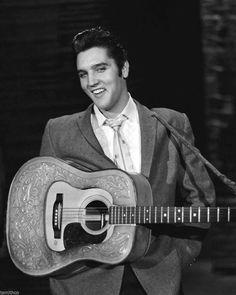 Elvis Presley 8x10 Photo 016   eBay