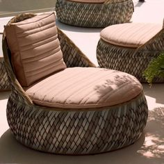 Dala outdoor lounge chair by Dedon Tire Furniture, Beach Furniture, Ottoman Furniture, Recycled Furniture, Furniture Upholstery, Outdoor Furniture, Outdoor Lounge, Outdoor Chairs, Tire Chairs