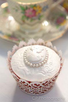 Vintage lace cupcake - so sweet!