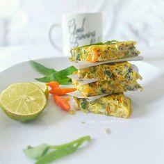 Omelet Sayur Indonesian Food, Omelet, Fresh Rolls, Cake Recipes, Tacos, Ethnic Recipes, Inspiration, Omelette, Biblical Inspiration