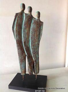 Material: Ziña Técnica imitación óxido. Orietta Arenas. Human Sculpture, Sculptures Céramiques, Art Sculpture, Pottery Sculpture, Abstract Sculpture, Ceramic Figures, Ceramic Art, Art Diy, Copper Art