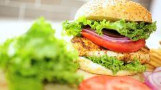Τρομερό Burger κοτόπουλου με ΒΒQ σως » THE MAG