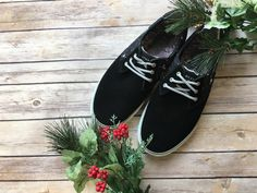 Now that you've treated everyone else on Christmas, it's time to #treatyoself! Come into #PlatosClosetBarrhaven and find these men's #Lakai shoes for only $30! We think you deserve a little present. | www.platosclosetbarrhaven.com