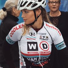 Puck Moonen: Had a nice week of rest after my roadseason and crash in Izegem, will be back on the bike next saturday in the cyclocross of Meulebeke♀️