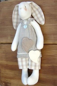 how to sew tilda bunny + pattern. not in english but there is a nice cut out…