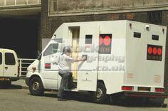 security van crime police cops uk emergency services guard rob robber cash westminster london cockney england english angleterre inghilterra inglaterra united kingdom british