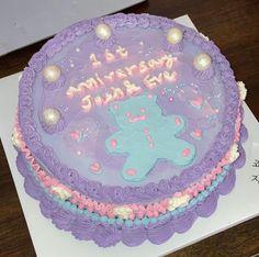 """죠-지서울 on Instagram: """"1st Anniversary with Mint Bear🧸❤︎"""" Cute Desserts, 1st Anniversary, Seoul, Birthday Cake, Mint, Instagram, Food, First Anniversary, Birthday Cakes"""