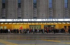 Pictures of Maple Leaf Gardens' transformation over the last 4 years. Ah, the memories of New Kids on the Block concerts! Old Pictures, Old Photos, Scarborough Toronto, Places To Rent, Canadian Travel, Toronto Maple Leafs, Toronto Canada, Landscape Photos, Time Travel