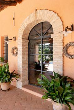infissi-minimal-in-acciaio (1) Design Case, Garage Doors, Sweet Home, Villa, Interior Design, Outdoor Decor, House, Home Decor, Rustic Design