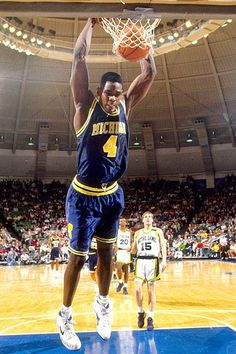 Milestones of College Basketball. Basketball is a favorite pastime of kids and adults alike. Basketball History, Basketball Legends, College Basketball, Basketball Players, Detroit Basketball, Basketball Pictures, Love And Basketball, Slam Dunk, Lebron James