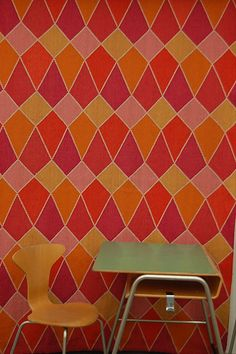 Arne Jacobsen textile design as wall paper. Danish Museum of Art and Craft.