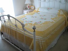 CHENILLE BEDSPREAD, VINTAGE, Yellow, White, Pink, Green, Floral, Full Or Queen, Gorgeous.