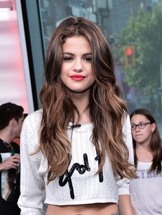 Selena Gomez New Blonde Highlights Voluminous Waves At Much Music
