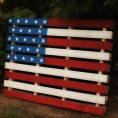 I love this palette flag. It's just one of ten DIY decor ideas here for Independence Day. Fourth Of July Decor, 4th Of July Decorations, 4th Of July Party, July 4th, Yard Decorations, Birthday Decorations, February, Pallet Crafts, Pallet Projects