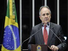 """O ex-ministro da Educação no governo Lula, Cristovam Buarque (PDT), afirmou nesta segunda-feira, 9, que o impeachment da presidente Dilma Rousseff (PT) está """"na boca do povo"""". """"Eu não acho que a palavra impeachment deva causar arrepios. O que causa arrepio é estar na boca do povo, e silenciá-lo é que seria golpismo"""", disse. O…"""