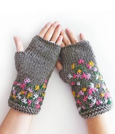 Grey Stitch Knit Fingerless Gloves by SabaKnits Crochet Mittens, Crochet Gloves, Knit Crochet, Fingerless Gloves Knitted, Wrist Warmers, Knitting Accessories, Knitting Stitches, Couture, Free Shipping