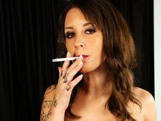 Smoke Pictures, City People, Mistress, Piercing, Sexy Women, Beautiful Women, Smokers, Hot, Beauty