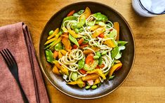 Salade-repas à l'asiatique – Savourer par Geneviève O'Gleman Mets, Vinaigrette, Tofu, Pasta Salad, Spaghetti, Vegetarian, Nutrition, Favorite Recipes, Healthy Recipes