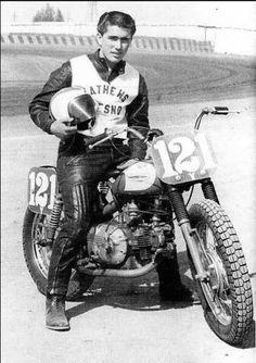 Motorcycle History: Harley Davidson Sprint – The Spaghetti Hoglet Flat Track Motorcycle, Flat Track Racing, Motorcycle Racers, Motorcycle Design, Triumph Motorcycles, Vintage Motorcycles, Road Racing, Harley Davidson Motorcycles, Harley Dirt Bike
