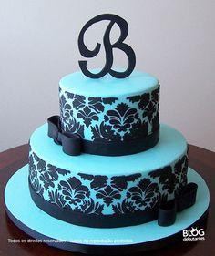 bolo azul tiffany Com Preto Pretty Cakes, Beautiful Cakes, Amazing Cakes, Sweet 16 Birthday Cake, Birthday Cake Girls, Birthday Cakes, Geek Birthday, 16th Birthday, Birthday Ideas