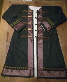 Or this one... I think I'm almost done pinning the huge stash of garb in my Likes.