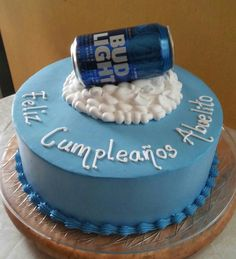 Bud lingh beer cake Birthday Beer, Birthday Ideas, Cake Cookies, Cupcakes, Fathers Day Cake, Cake Baby, Papi, Holiday Cakes, Baking Ideas