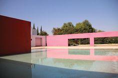 Le rose en architecture : Le ranch Cuadra San Cristóbal à Los Clubes, Mexico