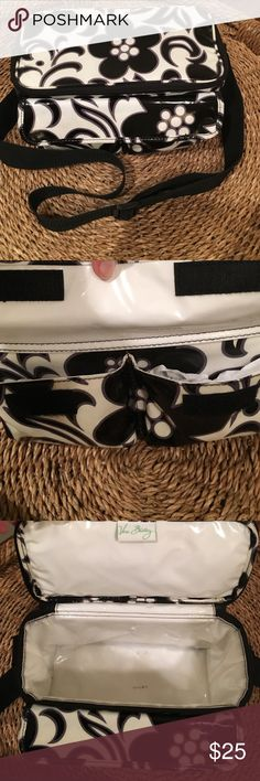 🌴SALE🌴VERA BRADLEY LUNCH BAG 🌴 🌴NIGHT & DAY LUNCH / COOLER BAG ‼️mark on inside . In good used condition .RETIRED .No Numbers in the comments . Thx . Please use OFFER BUTTON. Vera Bradley Bags