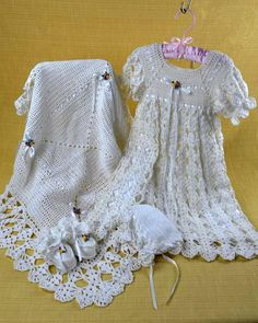 Learn to crochet a free easy crochet Christening gown pattern for a baby girl or baby boy crochet patterns for baby. Easy crochet patterns for baby gowns. Crochet Girls, Crochet Baby Clothes, Crochet For Kids, Baby Christening Gowns, Christening Outfit, Baptism Dress, Thread Crochet, Knit Crochet, Crochet Stitches