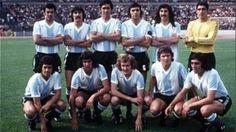 1974 Argentina Retro Football, Vintage Football, Argentina Football Team, Soccer Players, Soccer Teams, World Cup Teams, Argentina National Team, Champion, Angel