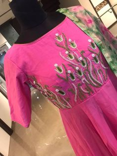 Stunning pink color floor length anarkali dress with floret lata design hand embroidery thread work. Anarkali dress with tie dye print dupatta. Price : 7000 INR To order whatsapp Embroidery On Kurtis, Kurti Embroidery Design, Embroidery Neck Designs, Hand Embroidery, Long Gown Dress, Sari Dress, Anarkali Dress, Neckline Designs, Kurti Neck Designs