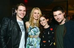 Hollywood News: Atrevida 'Academia de Vampiros: O Beijo das Sombras' é cancelado no Brasil