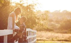 cute country couple wish I was that beautiful - Cute pics - Country Recipes Cute Country Couples, Cute N Country, Cute Couples, Country Life, Engagement Couple, Engagement Pictures, Engagement Ideas, Engagement Session, Couple Photography Poses