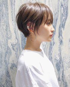 Pin on 髪型 Tomboy Hairstyles, Pretty Hairstyles, Straight Hairstyles, Hair Inspo, Hair Inspiration, Medium Hair Styles, Short Hair Styles, Mid Length Hair, Very Long Hair