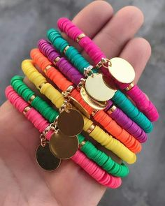 When it comes to buying jewelry, you may wonder where you should get it from. Arm Candy Bracelets, Dainty Bracelets, Handmade Bracelets, Handmade Jewelry, Beaded Bracelets, Bracelet Crafts, Jewelry Crafts, Polymer Clay Bracelet, Fabric Jewelry