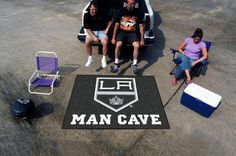 Support your team with this new Los Angeles Kings.... These will not last long! http://www.xtremesports.com/products/los-angeles-kings-man-cave-tailgater?utm_campaign=social_autopilot&utm_source=pin&utm_medium=pin