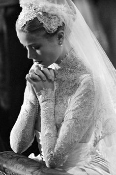 Princess Grace at her wedding to Prince Rainier, stunning.