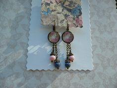 Pink blush - Cabochon earrings with pink and grey beads van CindyrellaJewels op DaWanda.com
