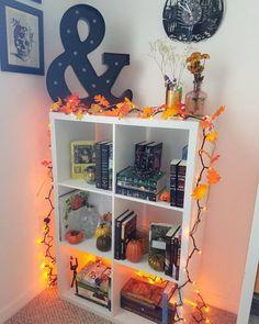 charming fall bedroom decor ideas you have to see page 32 Fall Bedroom Decor, Room Ideas Bedroom, Fall Home Decor, Halloween Room Decor, Halloween House, Halloween Gifts, Autumn Room, My New Room, Seasonal Decor