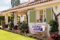 trendy home decoration rustic front porches Outdoor Decor, House Design, Farmhouse Front Porches, Vintage Home Decor, House Exterior, Farmhouse Design, Mediterranean Style Homes, Spanish House, Rustic House