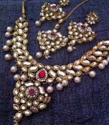 Black friday deals and offers mirraw Kundan Work with Floral Leaves with Dangling Pearls Indian Rani Pink Necklace Set d14r Bridal Necklace Set, Pink Necklace, Indian Bridal Photos, Imitation Jewelry, Shopping Day, Wedding Jewelry Sets, Girl Dancing, Beautiful Earrings, Dangles