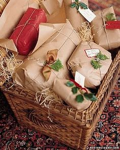 Wouldn't you like to have one of these lovely gifts?  Don't you want to know what's inside?  Little treasures, I bet :)