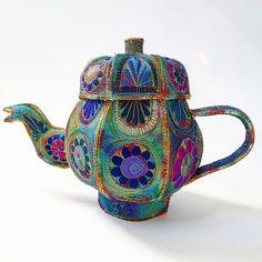 Textile Vessels by Sue Trevor on Folksy Free Motion Embroidery, Free Machine Embroidery, Embroidery Art, Textile Sculpture, Batik Quilts, Creative Textiles, Architecture Tattoo, Fabric Boxes, Tea Art