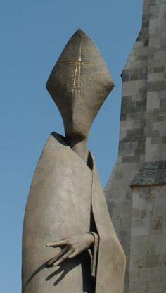 Philip Jackson Sculpture : Large Works : Guided Missal : Sculptor Philip JacksonBlank- Vacant- Faceless Death of Melissa Jackson, Arte Fashion, Creature Design, Dark Art, Les Oeuvres, Amazing Art, Illustration, Sculpting, Fantasy Art